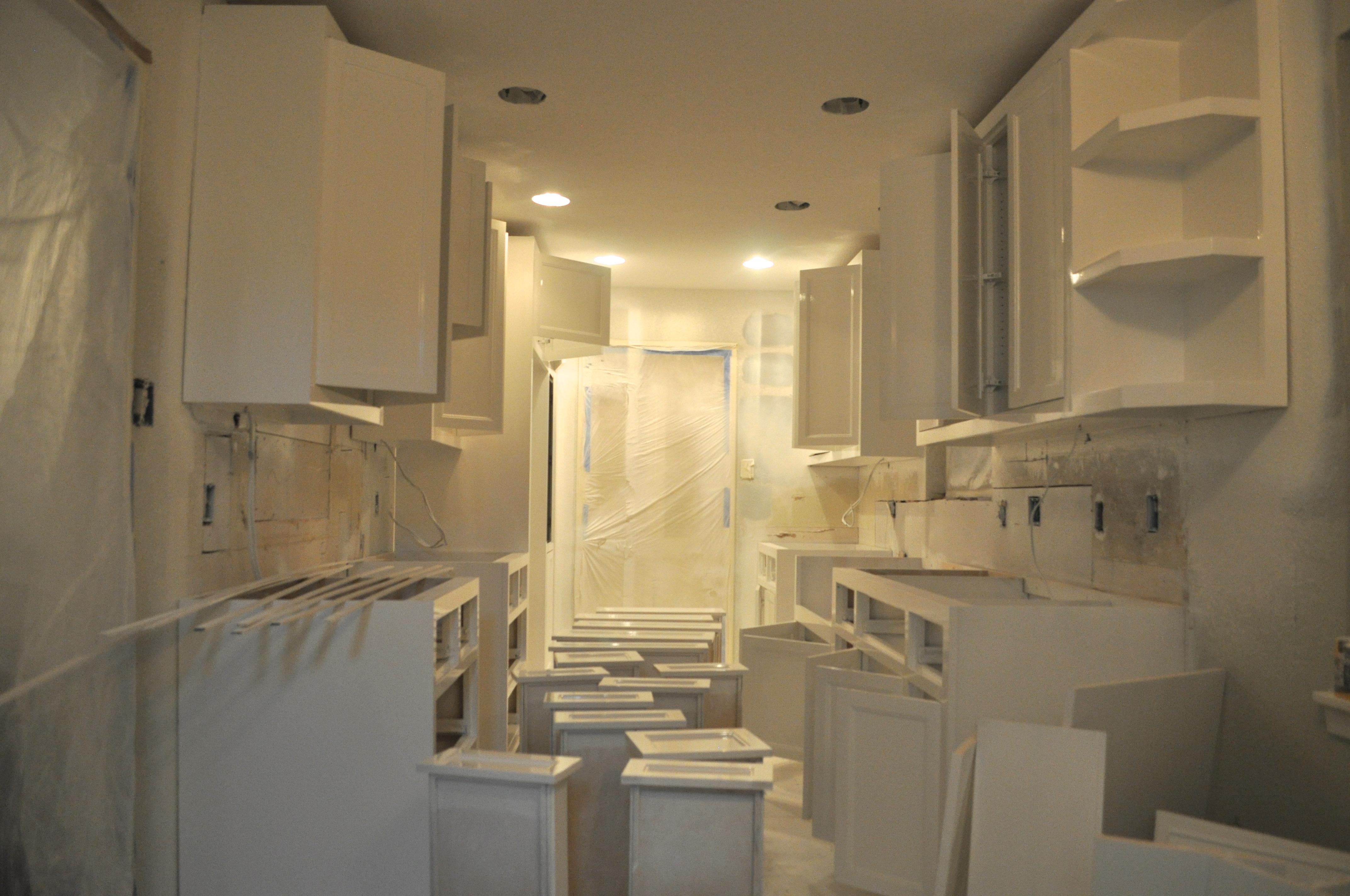kitchen progress III: paint colors | spaghetti on bath night